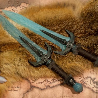 Stalhrim Daggers - Skyrim