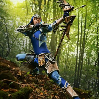 Zora_Link_Cosplay_Breath_of_the_Wild_bow_arrow
