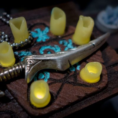 Blade of Woe pewter pendant