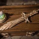 Glass Sword Skyrim pendant